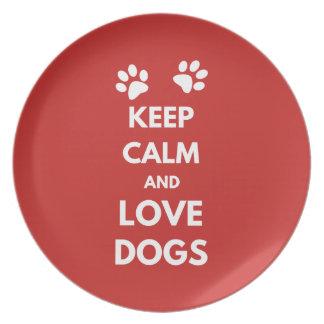 Plato Guarde la calma y ame los perros