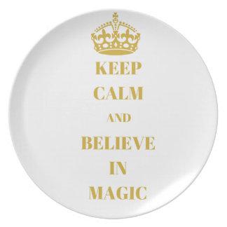 Plato Guarde la calma y crea en magia