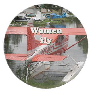 Plato Las mujeres vuelan: avión 23, Alaska del flotador