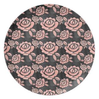 Plato Ona rosado de los rosas un Backround negro