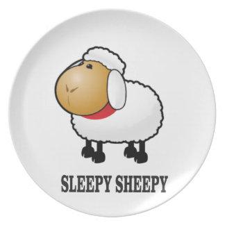 Plato ovejas soñolientas
