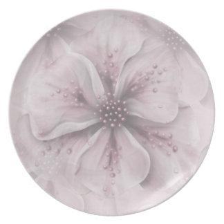 Plato Palidezca - las flores rosadas