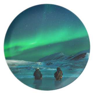 Plato Pares verdes del paisaje de la aurora boreal