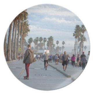 Plato patinaje a la playa de Venecia