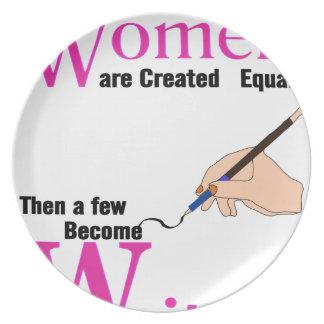 Plato Todas las mujeres son igual creado entonces que