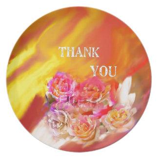 Plato Una mano de gracias tiende por completo hacia