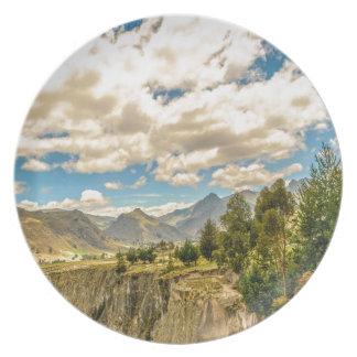Plato Valle y montañas Latacunga Ecuador de la gama de