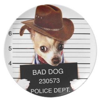 Plato vaquero de la chihuahua - perro del sheriff