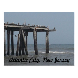 Playa de Atlantic City con la postal de los