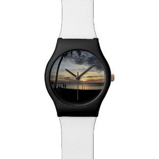 Playa de la puesta del sol reloj de pulsera