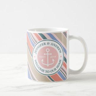 Playa náutica del rosa de moda de las rayas del taza de café