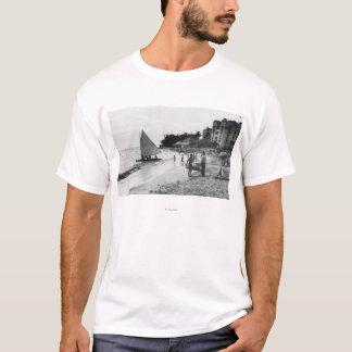Playa y barcos Honolulu de Waikiki Camiseta
