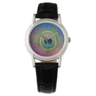 Pluma de cola de un pavo real reloj de pulsera
