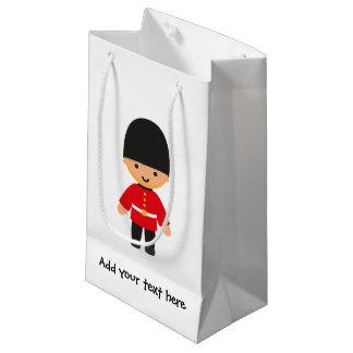 Poco guardia real británico (pelo rubio) bolsa de regalo pequeña
