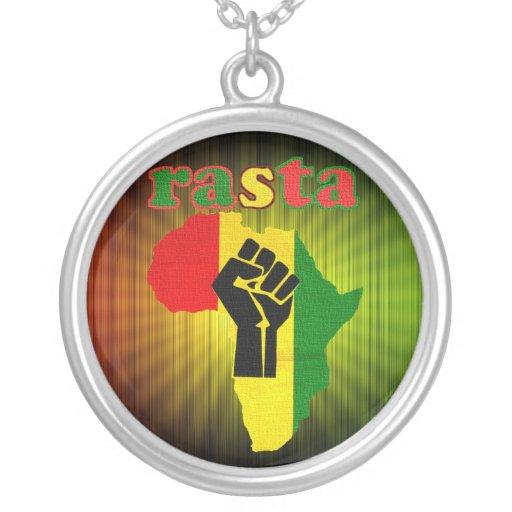 Poder negro de Rasta sobre el collar de África