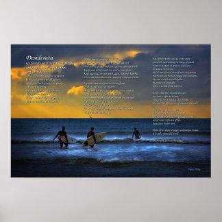 Poema de los desiderátums en practicar surf en el  poster