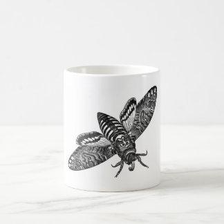 Polilla de halcón de la cabeza de muertes taza de café
