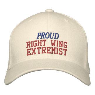 Político divertido orgulloso del extremista de la gorra de beisbol