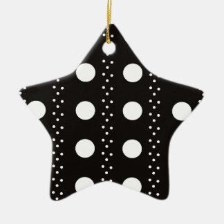 Polkadots blanco y negro adorno navideño de cerámica en forma de estrella
