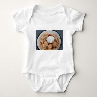 Pollo y huevos body para bebé