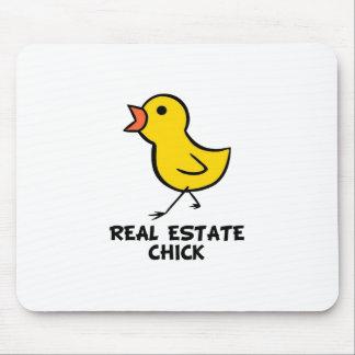Polluelo de las propiedades inmobiliarias alfombrilla de ratón