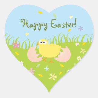 Polluelo lindo feliz del bebé de Pascua Pegatina En Forma De Corazón