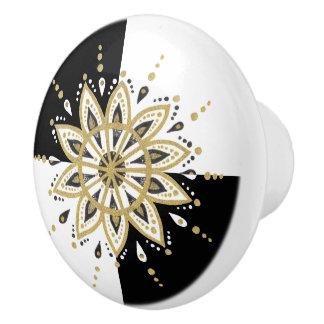 Pomo De Cerámica Fondo geométrico de la mandala blanca y negra del