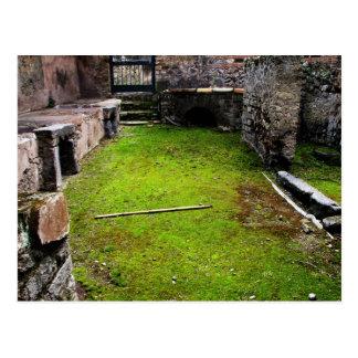 Pompeya - ruinas de una casa postal