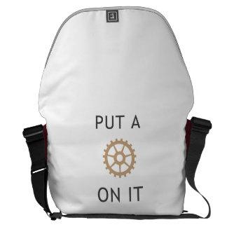 Ponga un engranaje en él - la bolsa de mensajero d bolsas de mensajeria