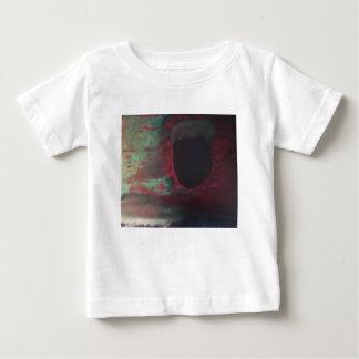 Por completo del color en un mundo brillante camiseta de bebé