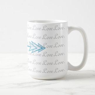Porciones de taza de la flecha de amor