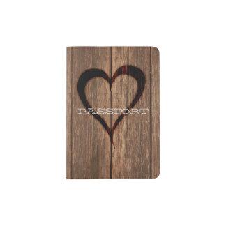 Portapasaportes Impresión quemada madera rústica del corazón