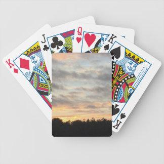 Portatarjetas hermoso de la puesta del sol baraja de cartas bicycle