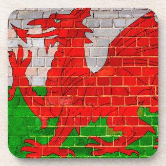 Posavasos Bandera de País de Gales en una pared de ladrillo