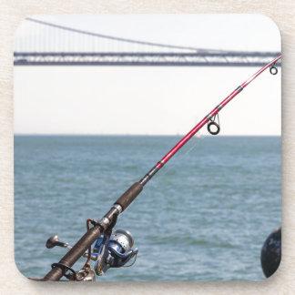 Posavasos Caña de pescar en el embarcadero en San Francisco