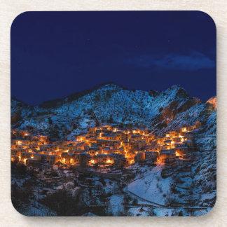 Posavasos Castelmezzano Italia en la noche