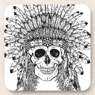 Posavasos Cráneo gótico del estilo tribal con el gráfico de