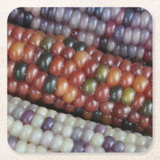 Posavasos Cuadrado De Papel Maíz en la mazorca de cristal colorido de la gema