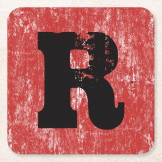 Posavasos Cuadrado De Papel Monograma de madera apenado rojo del TF