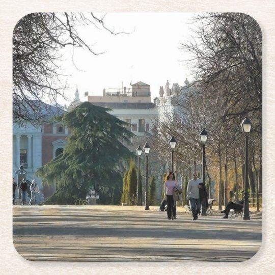 Posavasos Cuadrado De Papel Paseo en el parque del Retiro, Madrid