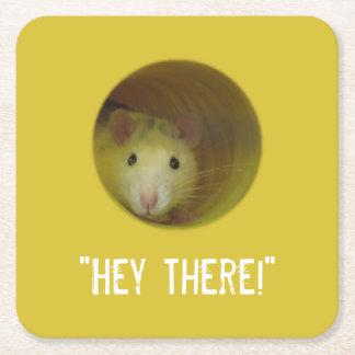 Posavasos Cuadrado De Papel Rata linda en un animal divertido del agujero