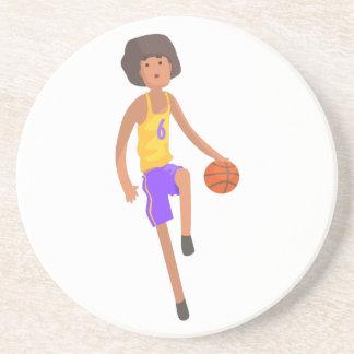Posavasos De Arenisca Jugador de básquet que corre con el pegatina de la