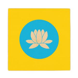 Posavasos De Madera Kalmukia señala por medio de una bandera