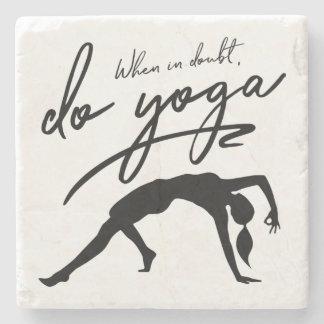 Posavasos De Piedra Cuando en duda, haga la yoga