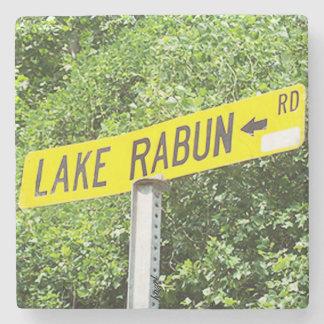Posavasos De Piedra Lago Rabun, señal de tráfico, Georgia, práctico de