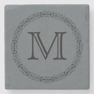 Posavasos De Piedra Monograma del color sólido del gris de pizarra del
