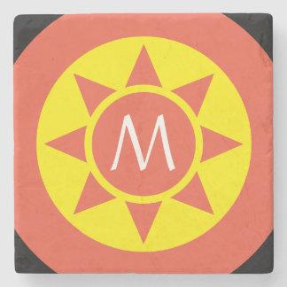 Posavasos De Piedra Monograma rubricado brillo amarillo y anaranjado