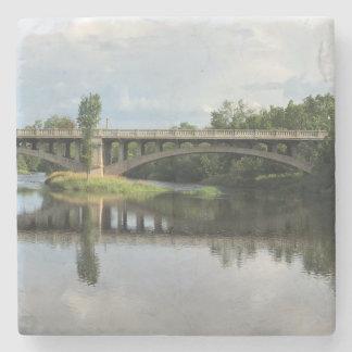Posavasos De Piedra Pinte el práctico de costa del río