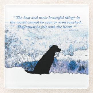 Posavasos De Vidrio Cita negra de Labrador - sentida con el corazón