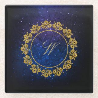 Posavasos De Vidrio Monograma circular del modelo en galaxia azul